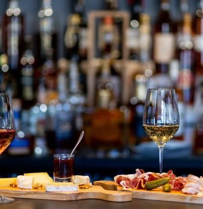 Perrine vous emmène au Dureza : un nouveau bar à vin à Tain l'Hermitage