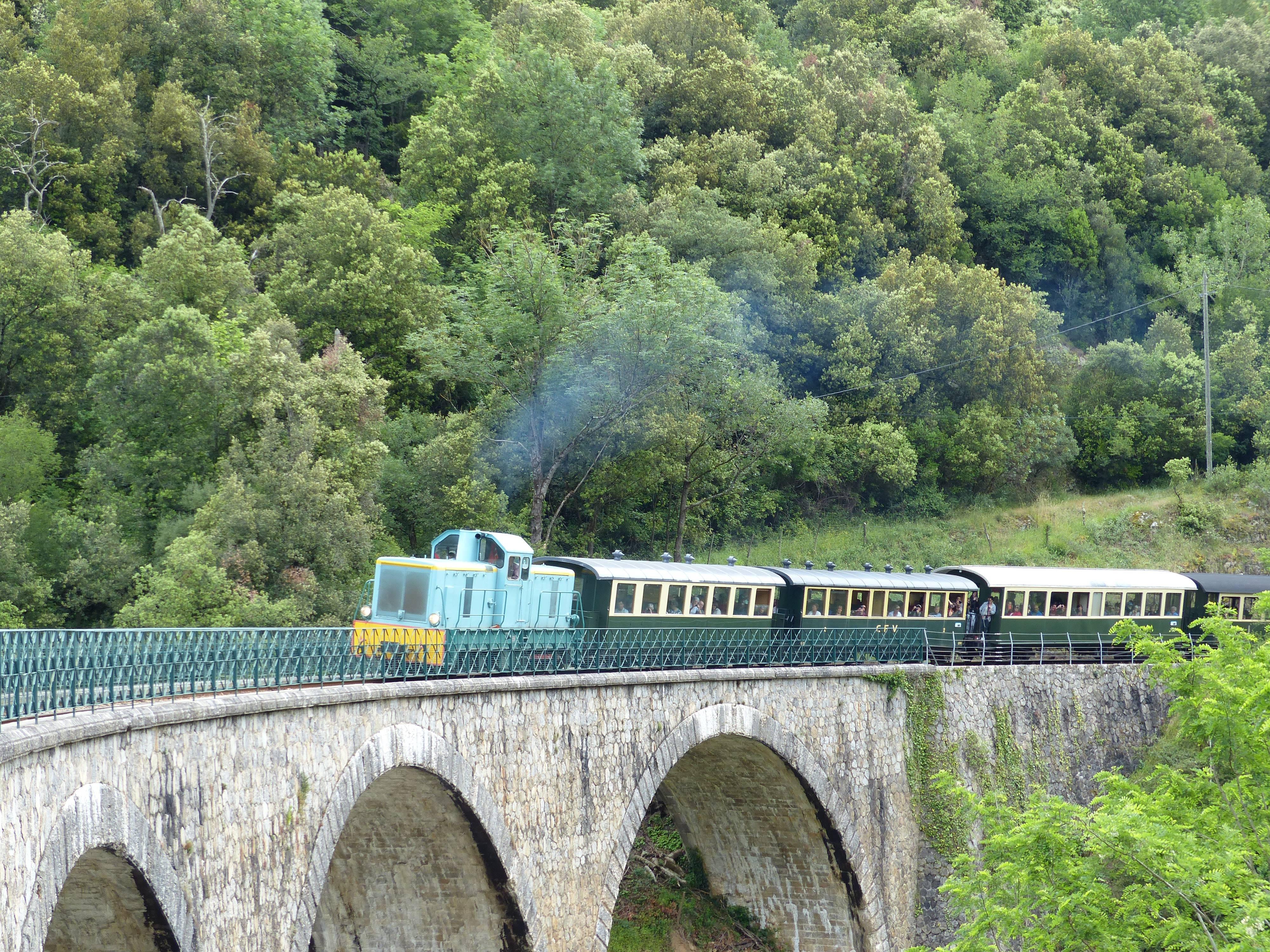 Locomotive diesel Train du Marché