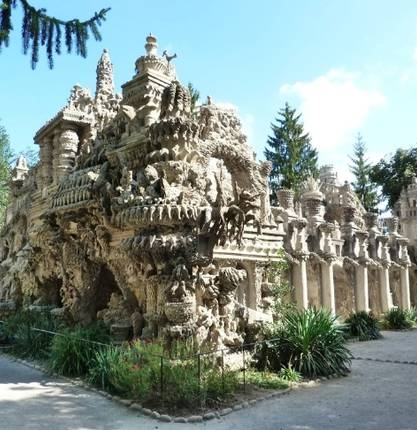 Enjoy a stay next to the Palais Idéal of the Facteur Cheval
