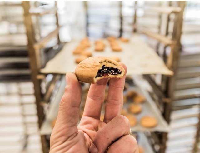 Pitot: Une biscuiterie artisanale à Tain de l'Hermitage