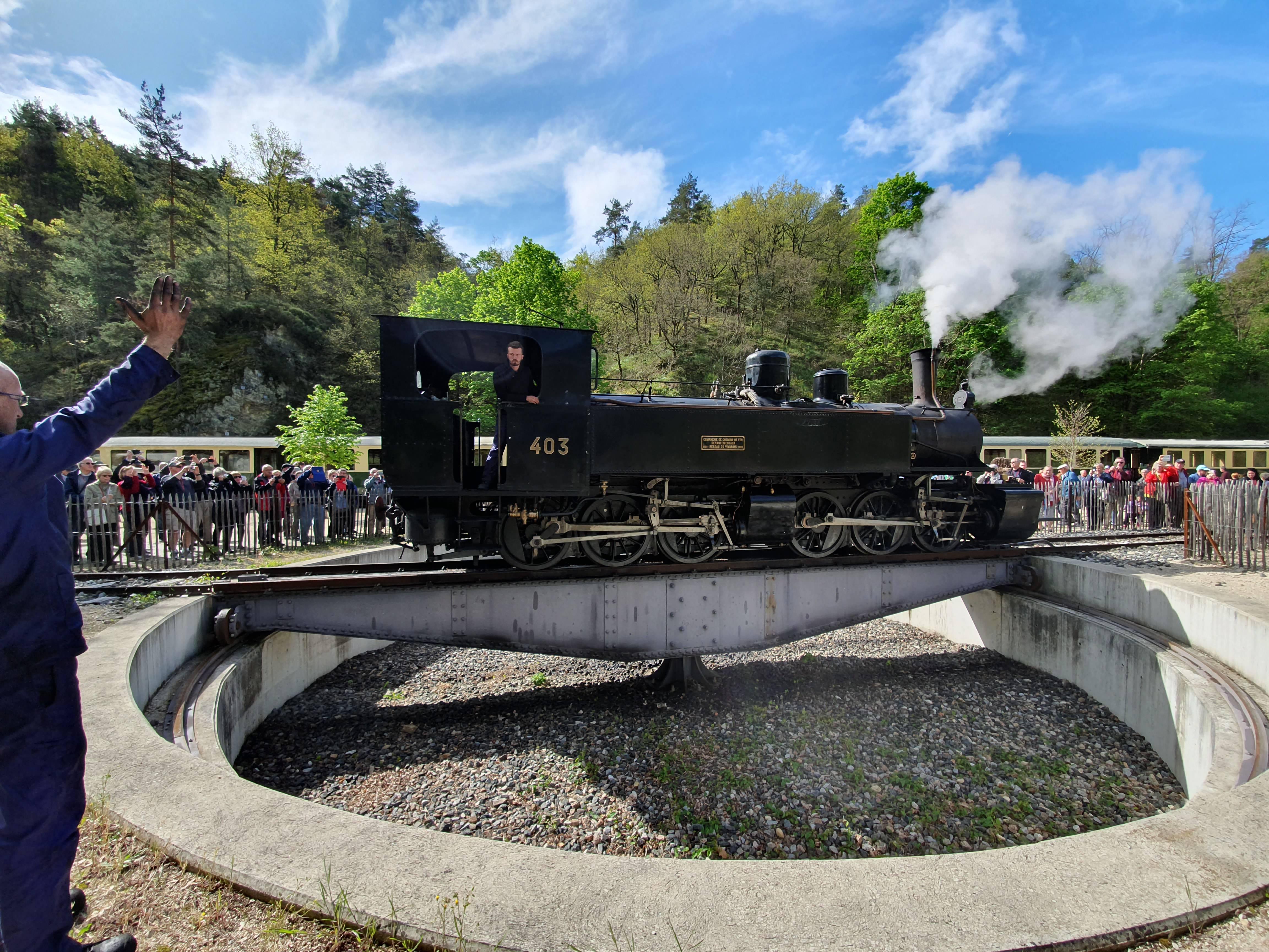 Train de l'Ardèche sur la plateforme de retournement