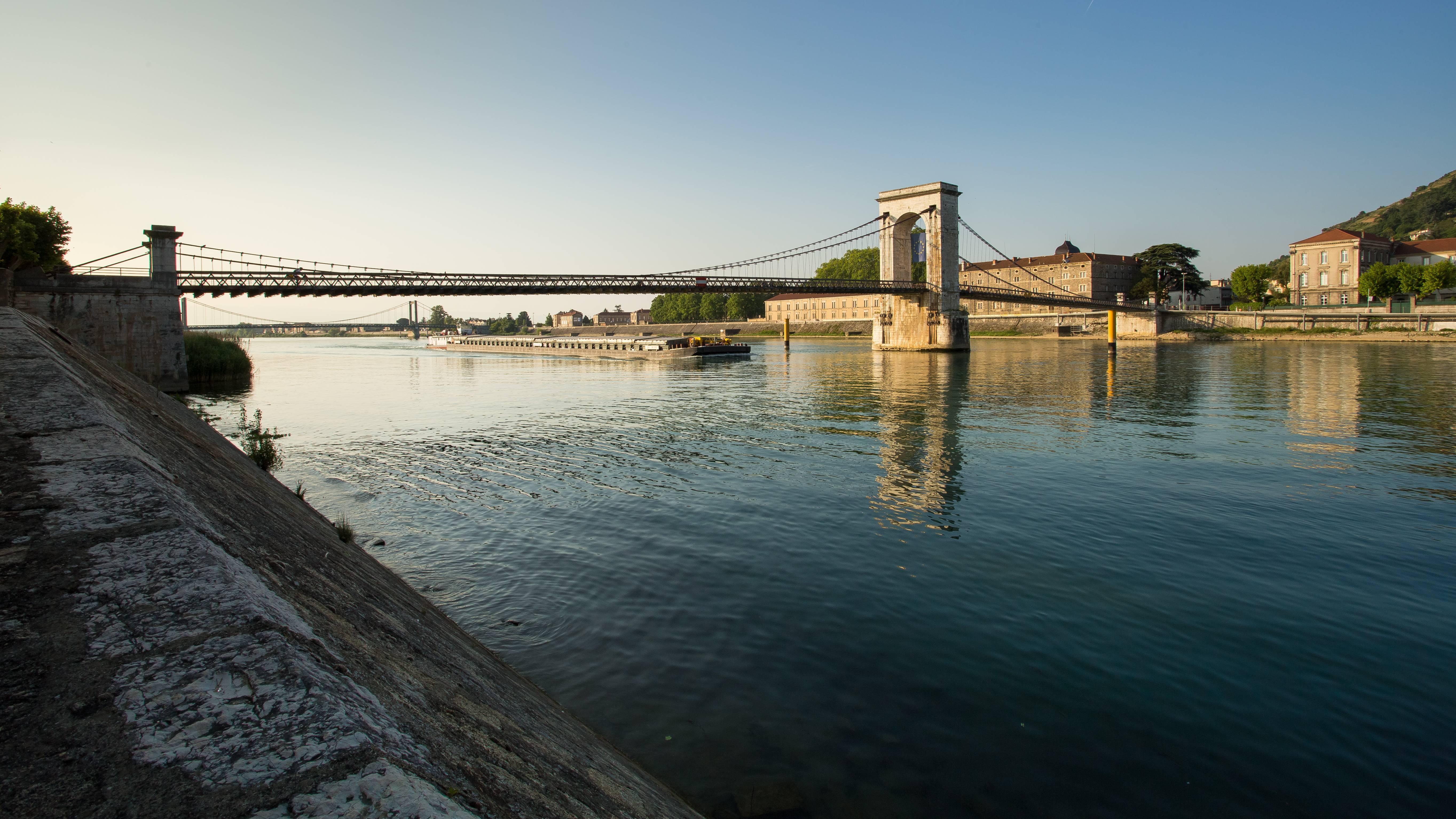 Passerelle Marc Seguin entre Tain L'Hermitage et Tournon sur Rhône