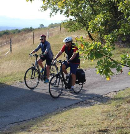 Electric bicycle ride into the Drôme des Collines