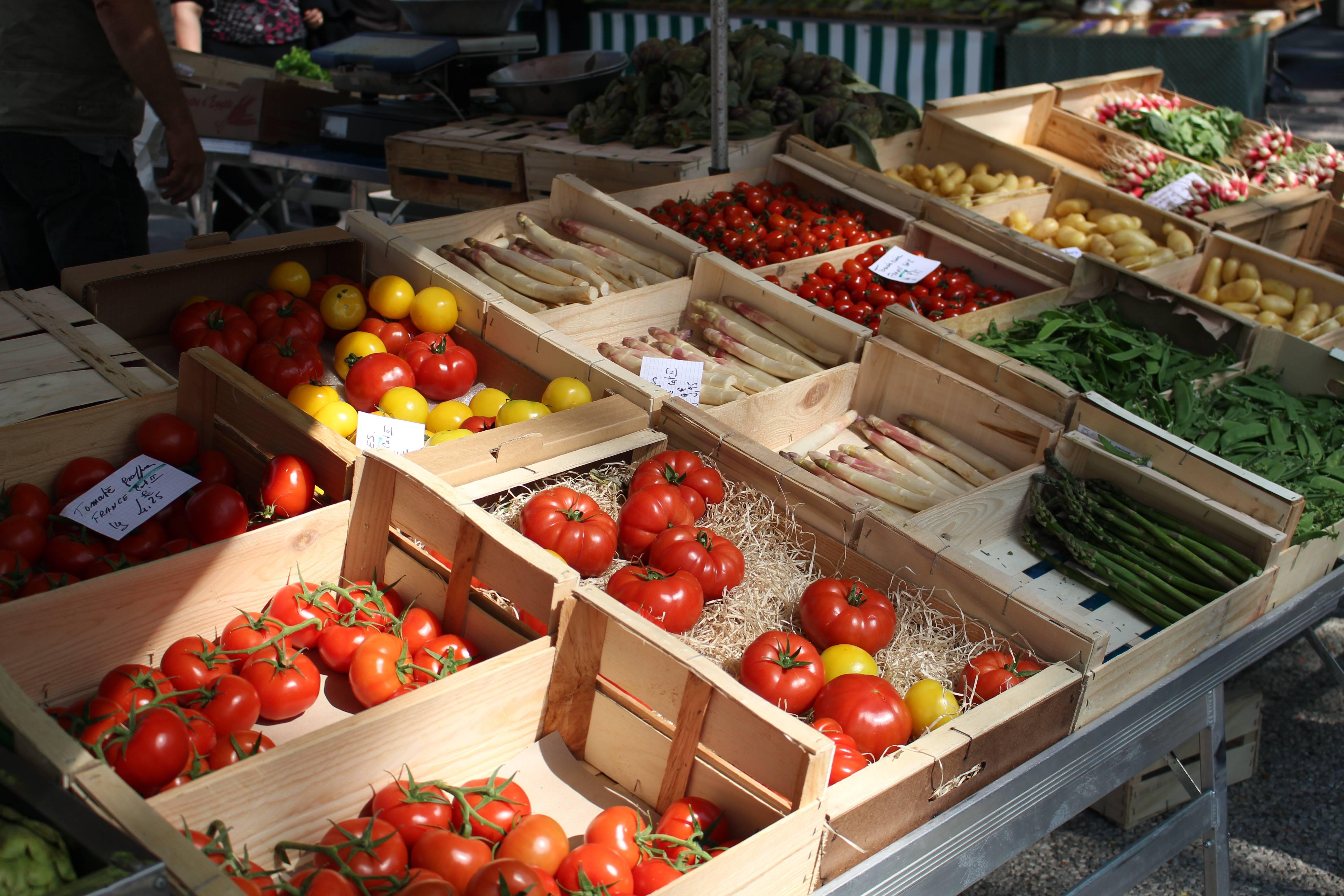 Tournon sur Rhône market