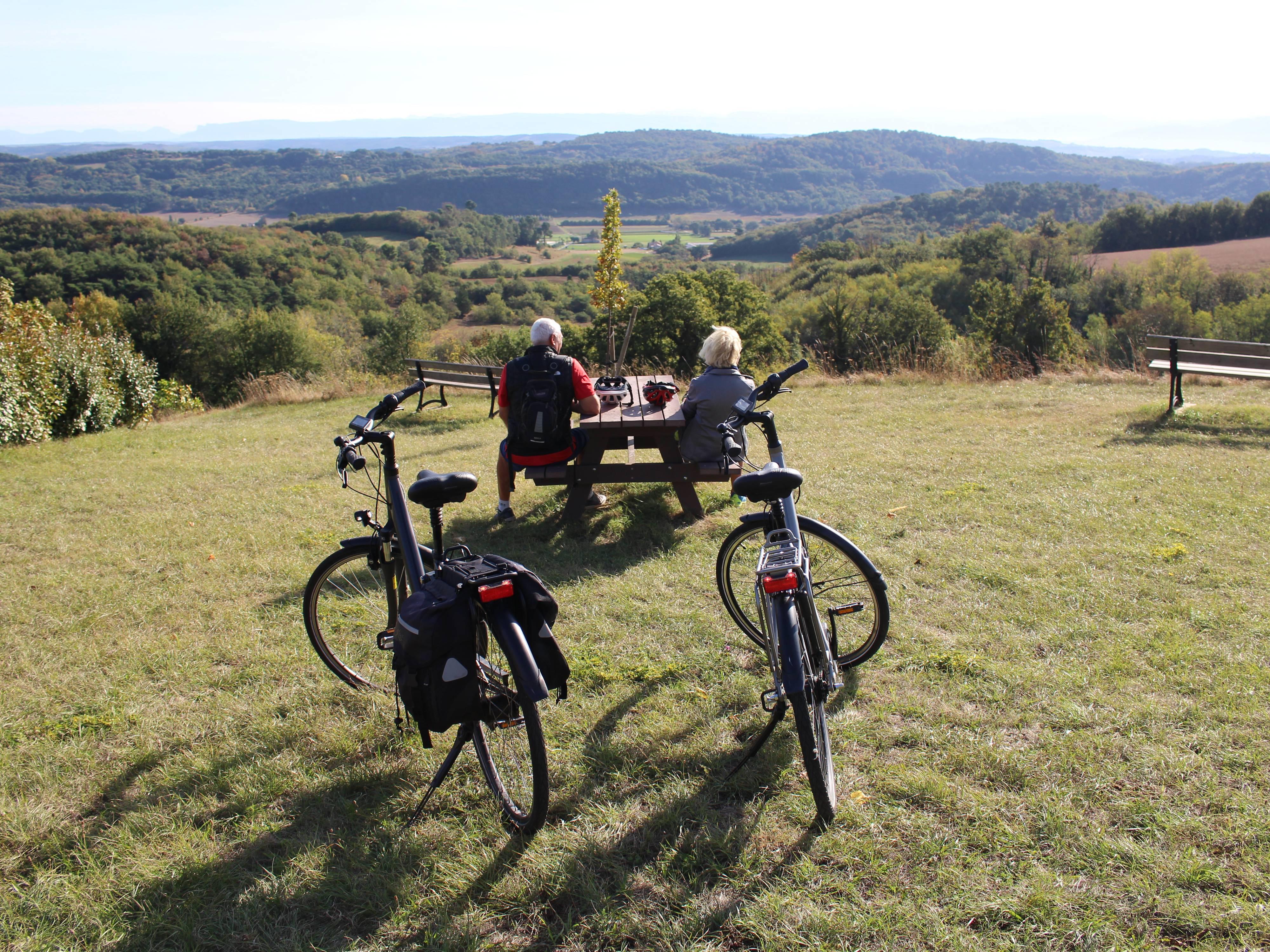 Balade à vélo à assistance électrique en Ardèche Hermitage