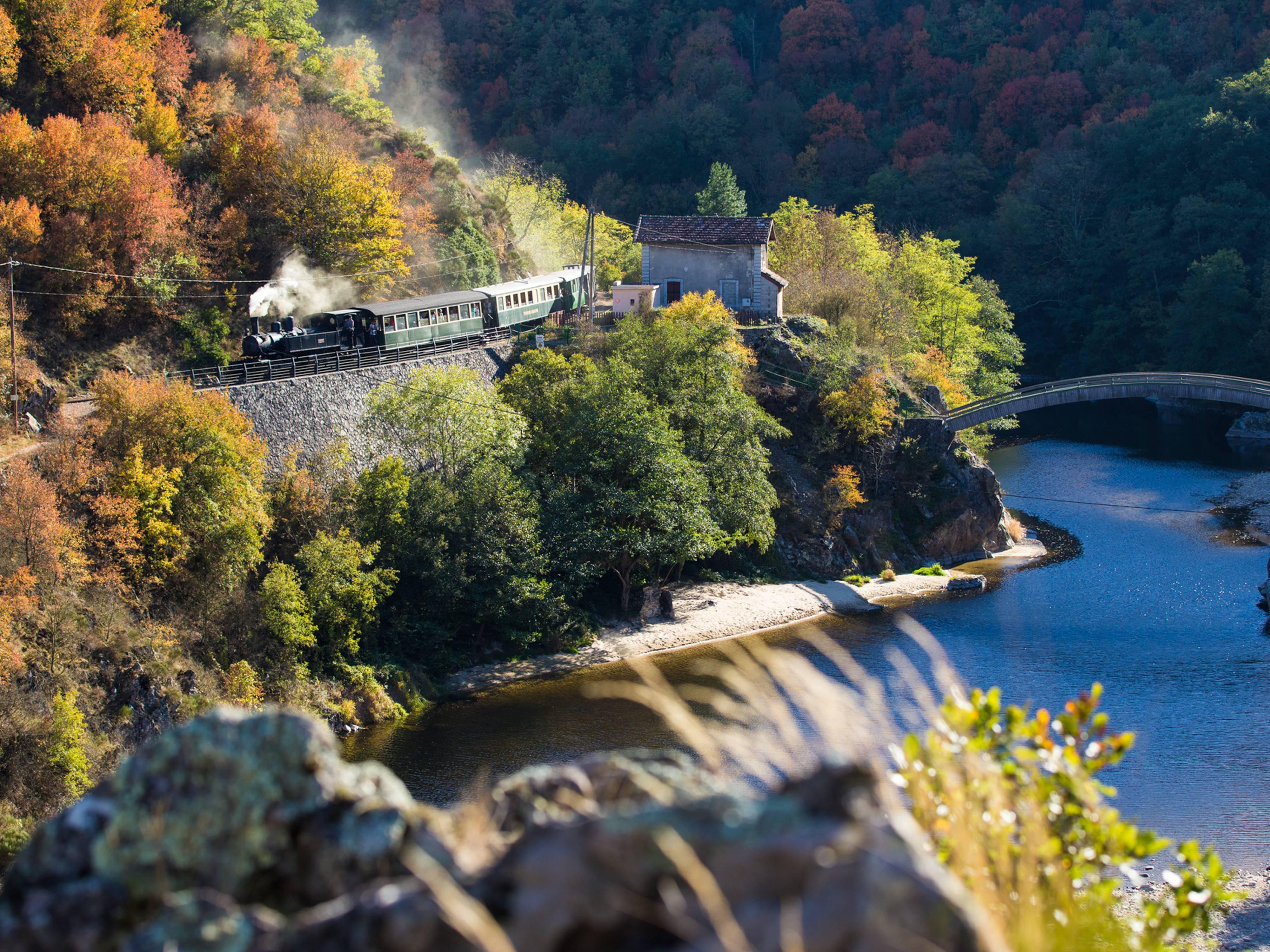 Train des Gorges à l'automne