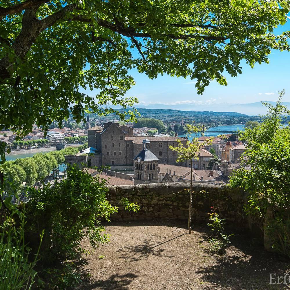 Centre historique de Tournon sur Rhône