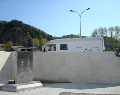 Aire de service/accueil camping-car communale
