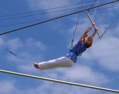Week-end insolite : faire du trapèze volant dans la Drôme !